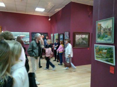 Фото с выставки Нарисованный Владивосток